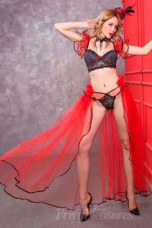 Red And Black Slave Princess Costume