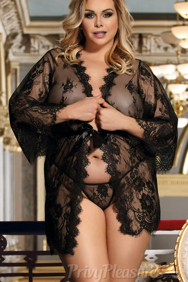 Plus Size Black Delicate Lace Sleepwear Gown